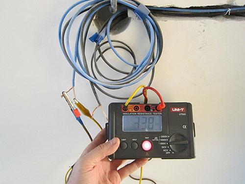сопротивление изоляции электропроводки