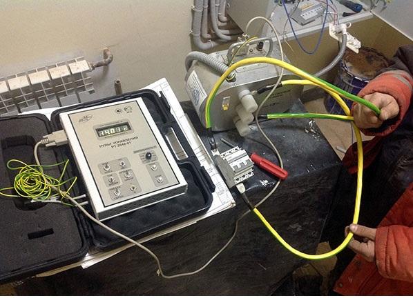 проверка срабатывания расцепителей автоматических выключателей